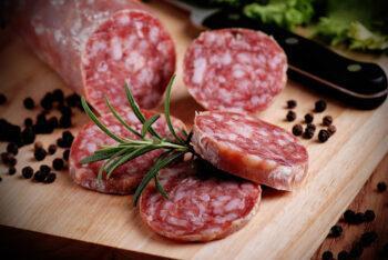 состав сырокапченной колбасы